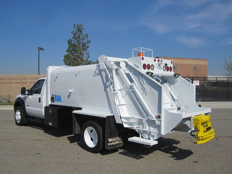 2006 Ford F 550 Wayne 8 Yard Rear Loader Garbage Truck For