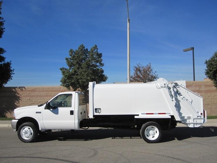 2003 Ford F 550 Wayne 8 Yard Rear Loader Garbage Truck For