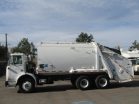 2005 Autocar with Leach 2R-III 25yd Rear Loader Refuse Truck