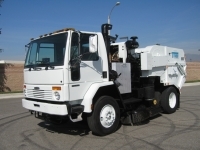 2003 Tymco 600 CNG Air Street Sweeper for Sale on Freightliner FC70 Chassis