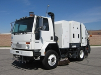 2007 Schwarze M6000 Propane LPG Street Sweeper for Sale on Sterling SC8000
