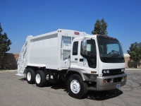 2007 GMC T8500 with Heil PT 1000 20 Yard Rear Load Refuse Truck