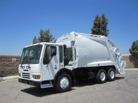 2007 Freightliner Condor with McNeilus Standard 20 Yard Rear Loader Garbage Truck
