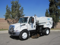 2009 Tymco 600 BAH Regenerative Air Street Sweeper on International 4200 Chassis