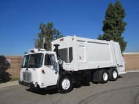 2006 Autocar Xpeditor with Heil 5000 25 Yard Rear Loader Refuse Truck for Sale
