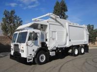 2012 Peterbilt 320 with Heil Half-Pack 40 Yard Front Loader Refuse Truck