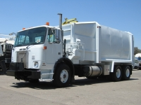2002 Volvo WXR64 Garbage Truck for Sale with Labrie 31yd Side Loader Trash Body