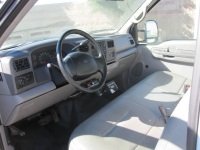 2001 Ford F-450 with Wayne Tomcat 6 Yard Rear Load Refuse Truck