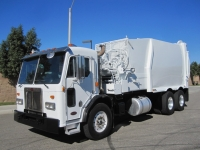 2006 Peterbilt Garbage Truck for Sale with Bridgeport Ranger 32 Yard Side Loader