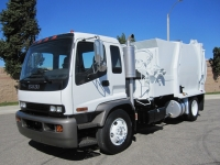 2006 Isuzu Garbage Truck for Sale with Bridgeport 12 Yd Automated Side Loader