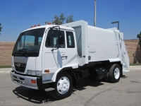 2007 UD 2300 Garbage Truck for Sale with Wayne 11 Yard Royal GT Rear Loader