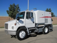 2003 Elgin Broom Bear Street Sweeper for Sale on Freightliner FL70 Chassis