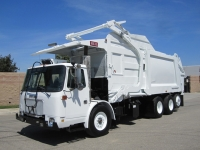 2002 Volvo Xpeditor with Heil 40 Yard Front Loader Garbage Truck for Sale