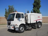 2008 Elgin Whirlwind Air Street Sweeper for Sale on Nissan Diesel UD 3300 Chassis