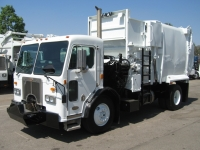 2000 Peterbilt Garbage Truck for Sale with Leach Curbtender 18 Yard Side Loader