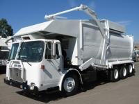 2002 Volvo CNG Garbage Truck for Sale with Amrep 40yd Front Loader Trash Body