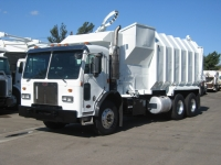 2000 Peterbilt Garbage Truck for Sale with Amrep 36yd Side Loader Trash Body