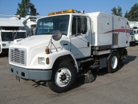 2004 Elgin Broom Bear CNG Sweeper for Sale on Freightliner FL70 Chassis