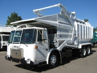 2000 Volvo Garbage Truck for Sale with Amrep 40yd Front Loader Trash Body