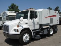 2003 Elgin Broom Bear CNG Street Sweeper for Sale on Freightliner FL70 Chassis