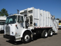 2003 Autocar Garbage Truck for Sale with Leach 20yd Rear Loader Trash Body