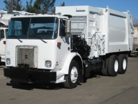 2001 Volvo WX64 Garbage Truck for Sale with Heil 28yd Side Loader Trash Body