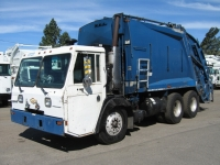 2000 Crane Carrier Garbage Truck for Sale with McNeilus 20yd Rear Loader Body