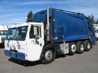 2001 Crane Carrier Garbage Truck for Sale with McNeilus 25yd Rear Loader Body