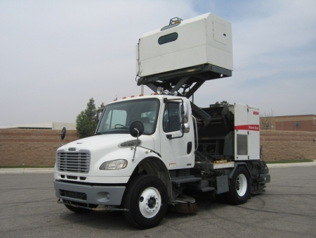 2008 Elgin Broom Bear Street Sweeper
