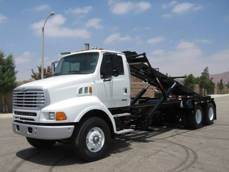 2002 Sterling LT9500 Roll Off Truck