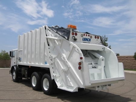 2003 Mack MR688 with Leach 2R-II Rear Load Garbage Truck