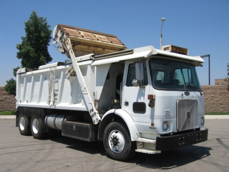2004 Autocar with PB Loader Dump Truck