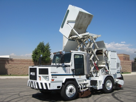 2000 Athey Mobil Patriot M-8A Twin Engine High Dump Street Sweeper