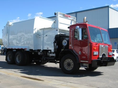 2005 Peterbilt 320 with Wayne Curbtender Automated Side Loader