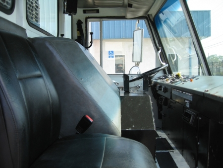 2002 Crane Carrier Garbage Truck with Pak-Mor 25yd Rear Loader