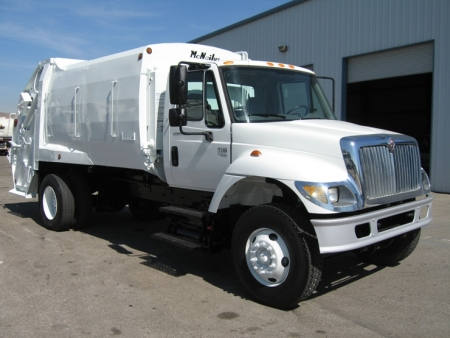2004 International 7300 with McNeilus 17yd Rear Loader Refuse Truck