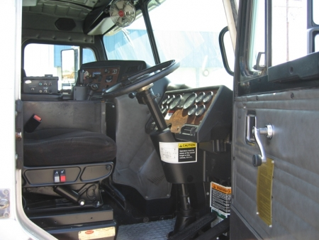 Peterbilt 320 with Heil Rapid Rail Automated Side Loader