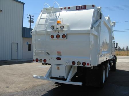 2002 Mack MR688S with Heil 40yd Front Loader Refuse Truck