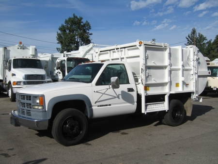 2002 Chevy 3500HD with Pak-Rat 6yd Side Loader Refuse Truck