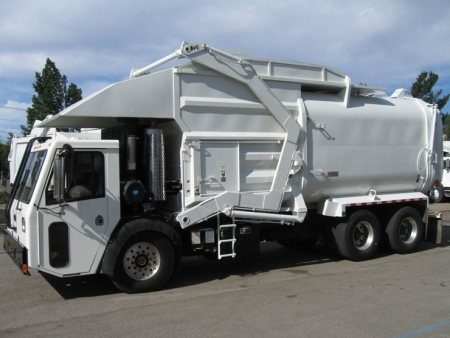 2008 Crane Carrier Garbage Truck with Amrep Front Loader