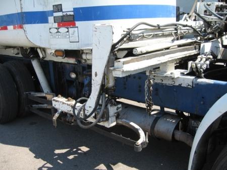2004 Autocar WX64 with Heil Rapid Rail 30yd Refuse Truck
